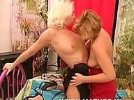 lesbian mature cunts licking snatch